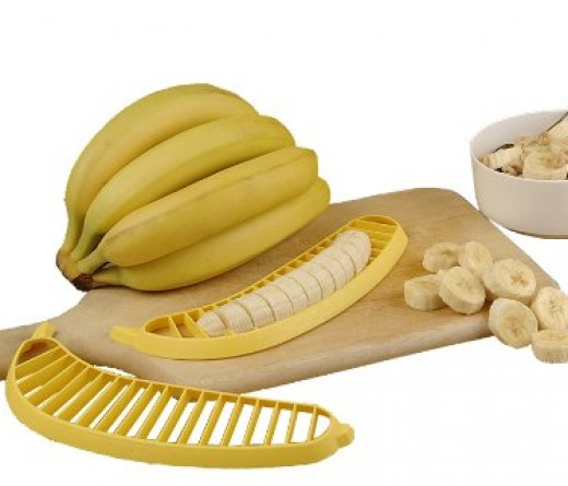 slicing banana